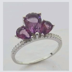 Gorgeous 3 Stone Pear Shape Ring 💜💍